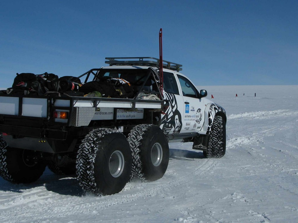 operating-near-camp-whichaway-camp-in-antarctica