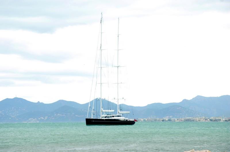 p85_sailing yacht-