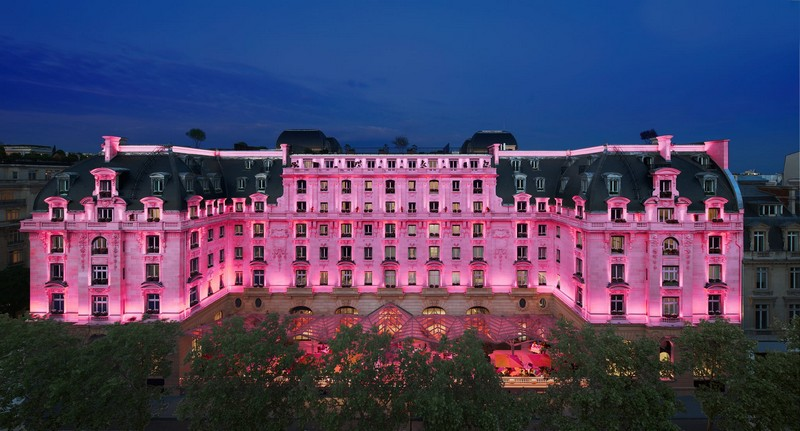 peninsula paris in pink 0ctober 2015