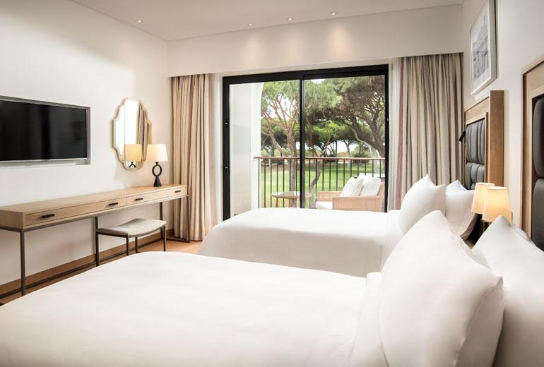 pine cliffs ocean suites - a luxury collection resort algarve - 2luxury2com-Devil's Parlour - Bedroom Ocean Suite - Guest Room