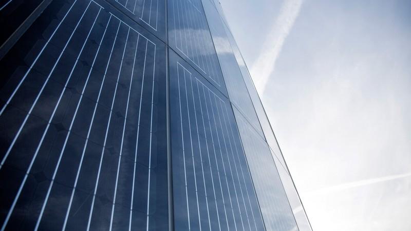 porsche_centre_berlin_adlershof_photovoltaic pylon