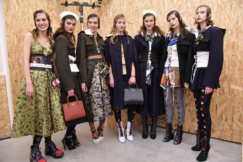 prada backstage momentes for fall winter 2016