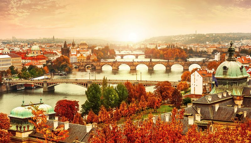 prague-facing-the-fall