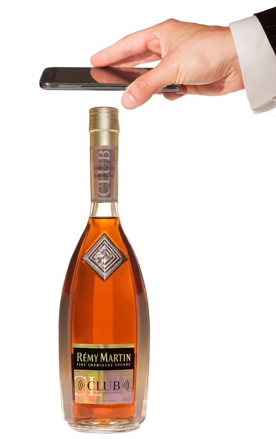 remy martin connected bottle