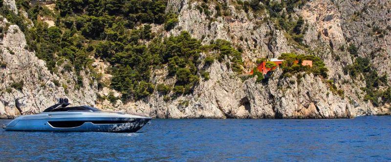 riva-76-bahamas-luxury-boat-2016-model-2luxury2com