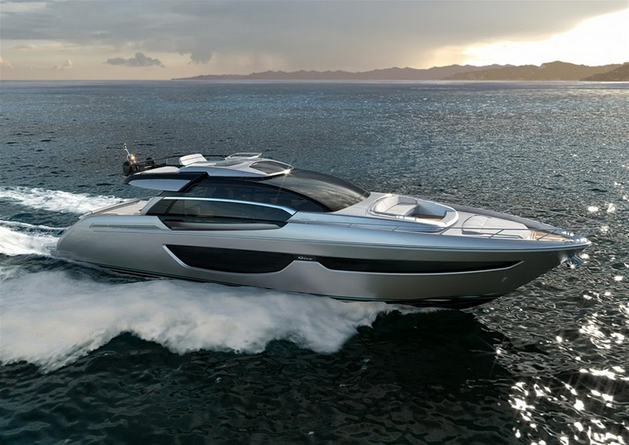 riva 76 coupe--lateral