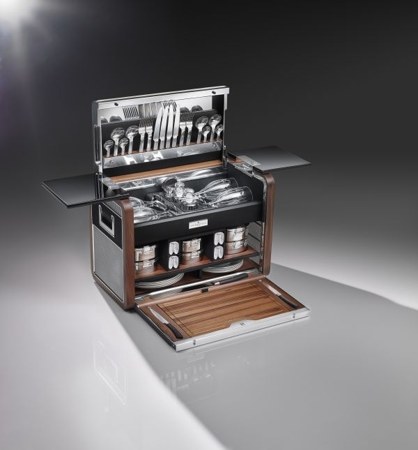 rolls-royce-The Picnic Hamper for the Phantom Zenith Collection