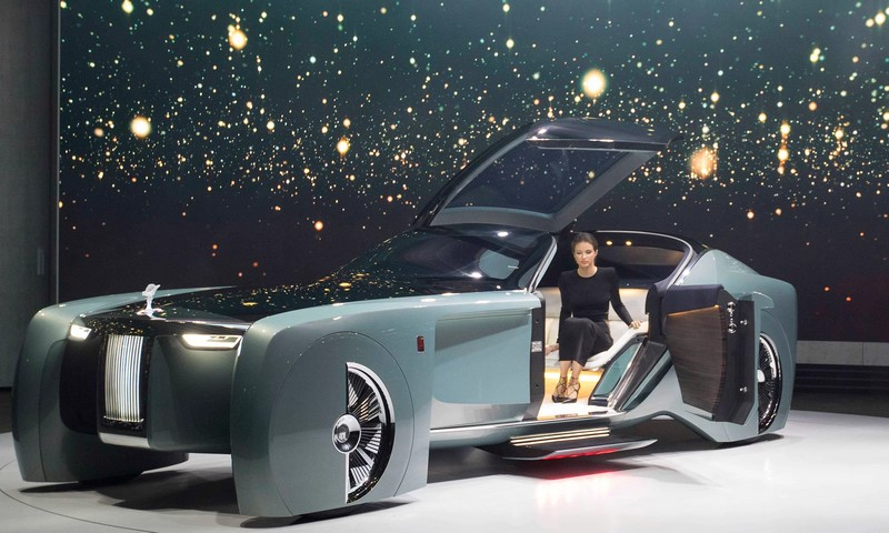 rolls-royce next vision 100 - The Vision Next 100 - the autonomous vehicle aimed at the most discerning and powerful patrons in the world