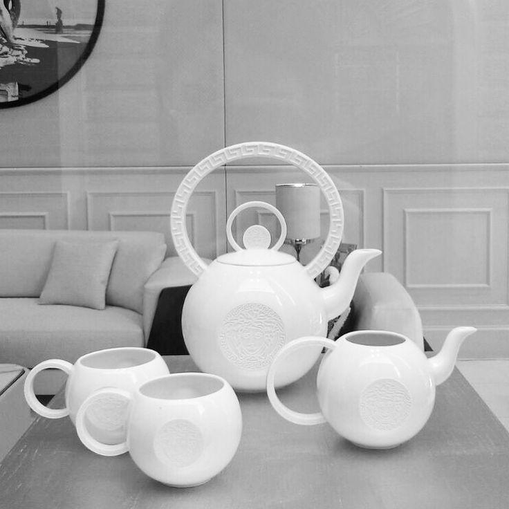 Rosenthal meets versace in baroque punk and la medusa tea ceremony2luxury2 com - Vaisselle de luxe marque ...