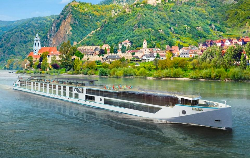 saiingl the Rhine aboard Ravel