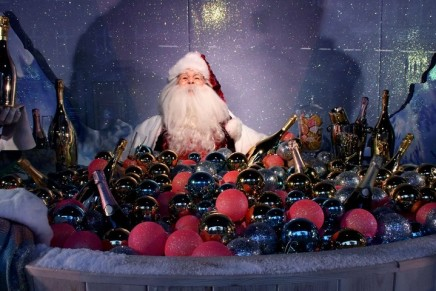 Santa comes to Selfridges early – and he's everywhere