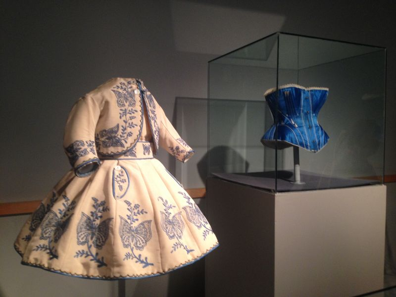 satin-corset