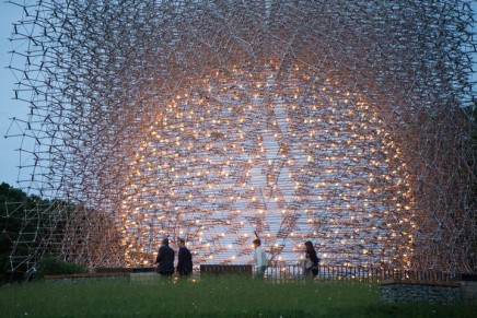 The sculpture controlled by bees: Wolfgang Buttress's Hive
