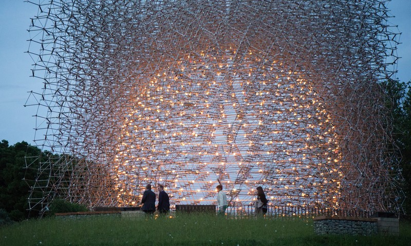 sculpture-controlled-by-bees-wolfgang-buttress-hive