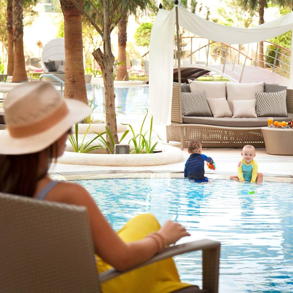 shangri-la doha - qatar-Enjoy the perfect mix of fun and pampering for all ages at our tropical pool deck