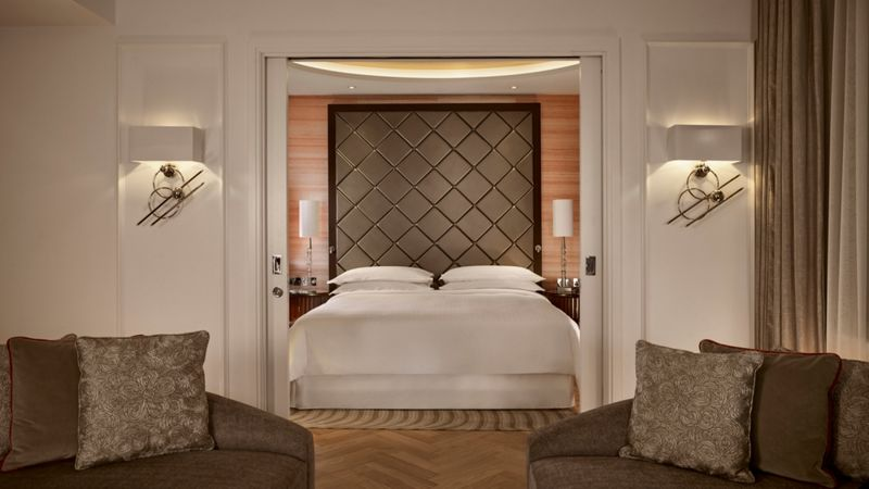 sheraton park lane london-The Grand Suite - Bedroom