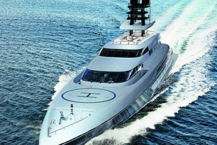 Silver Fast, the world's largest and fastest aluminium motor yacht, debuts at Monaco Yacht Show 2015