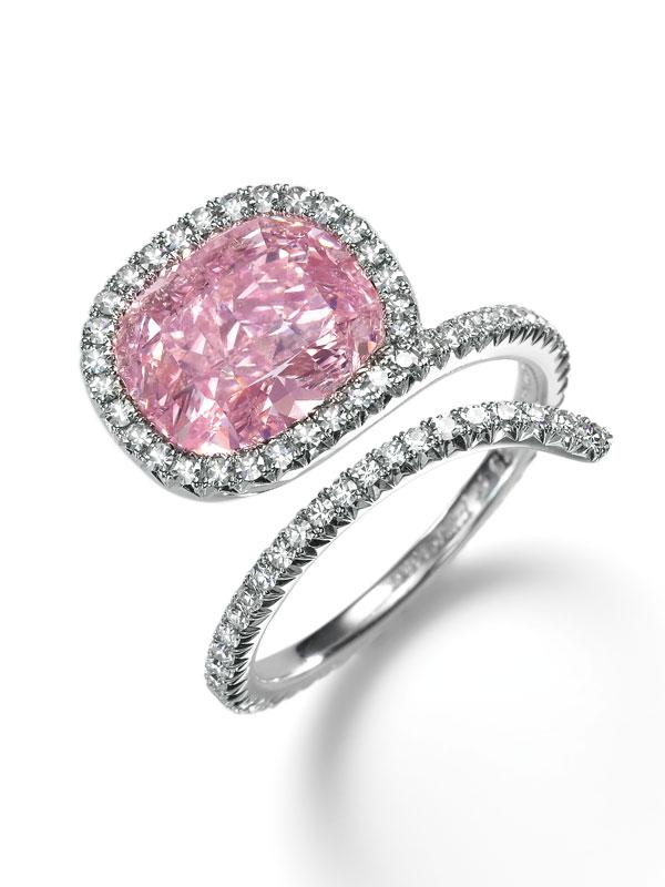 sothebys diamonds 2015-pink-diamond- a diamond snake ring