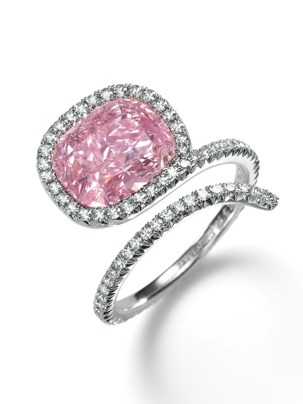 sothebys diamonds 2015-pink-diamond- a diamond snake ring