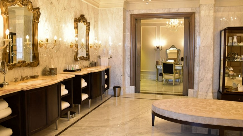 st regis dubai - the imperial suite-bathrooms