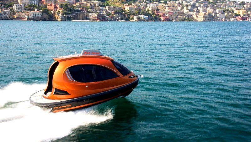 the-2017-jet-capsule-on-water