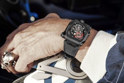 TimeHunter X-Ray in the subversive Urwerk tradition