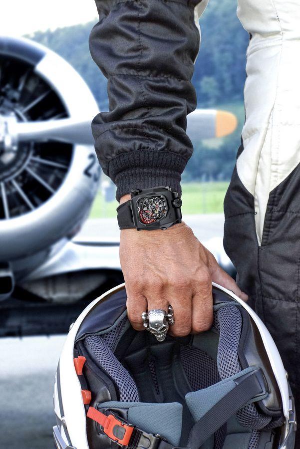 urwerk-emc_timehunter_x-ray_luxury-timepiece