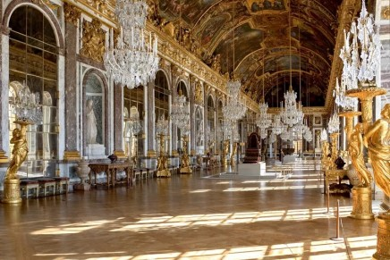 alain ducasse to operate upscale hotel and restaurant at the ch teau de versailles2luxury2 com. Black Bedroom Furniture Sets. Home Design Ideas