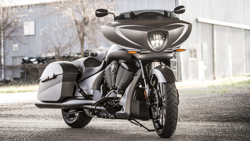 victory motorcycles - Magnum X-1 Stealth Edition - front