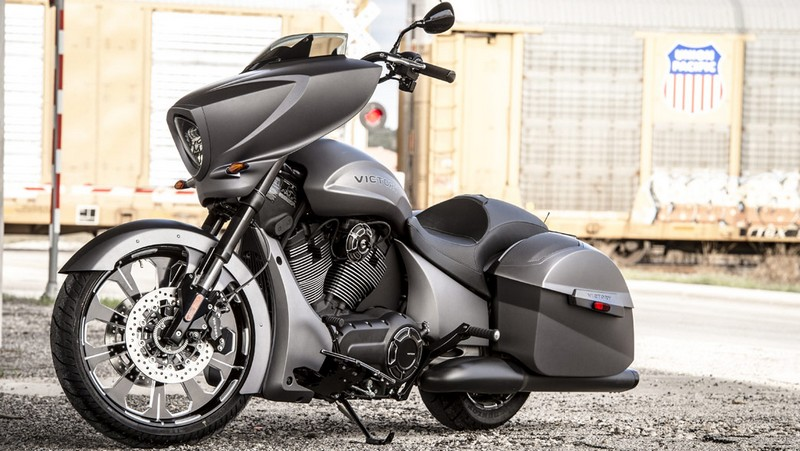 victory motorcycles - Magnum X-1 Stealth Edition - latera