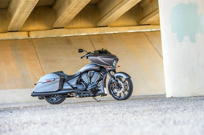 victory motorcycles - Magnum X-1 Stealth Edition - lateral