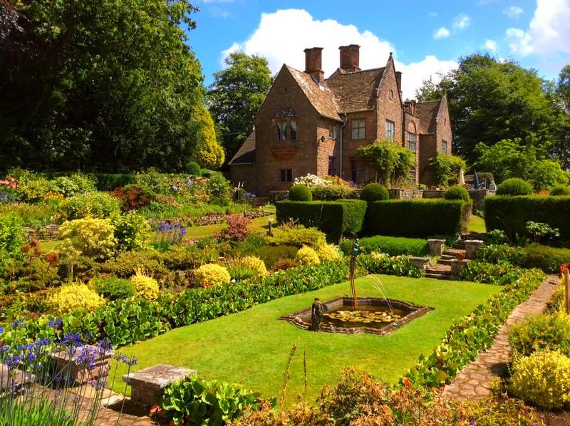 wyndcliffecourt garden-