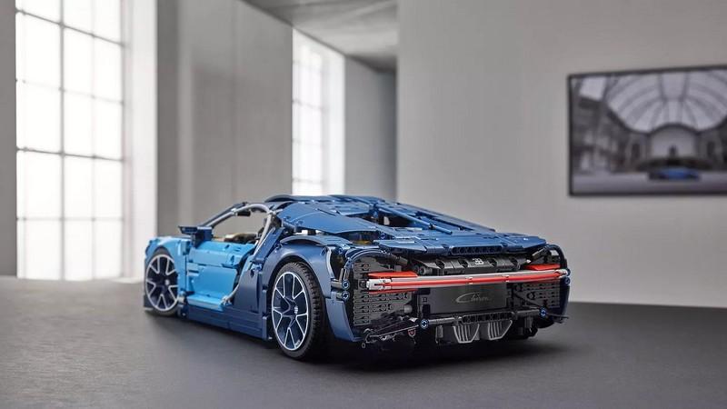 1-8 scale 2018 Lego Technic Bugatti Chiron car - rear
