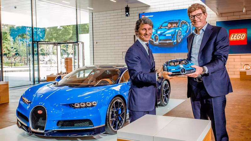 1-8 scale 2018 Lego Technic Bugatti Chiron