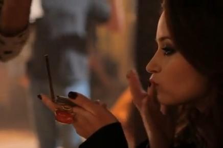 Emily Blunt – YSL Opium behind-the-scenes video