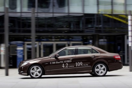 Hybrid offensive: Mercedes-Benz launches the world's most economical luxury vehicle