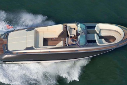 Chris-Craft to debut new Launch 32 at the 2012 Miami International Boat Show