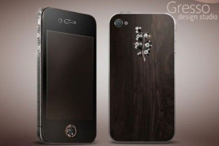 Diamonds go for sure: Gresso iPhone 4 Black Diamond Lady Version