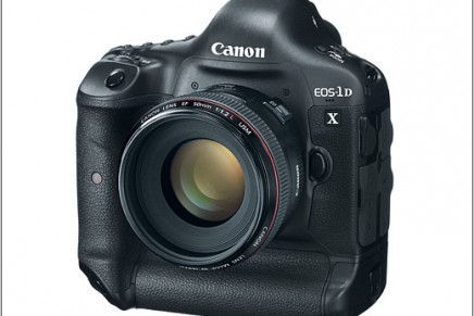 Canon EOS-1D X and new EOS 5D Mark III high-end cameras for pros and serious enthusiasts