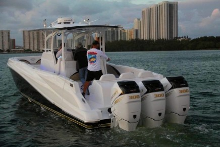 40-foot Deep Impact fishing tender for 200′ Benetti yacht debuts at Palm Beach International Boat Show