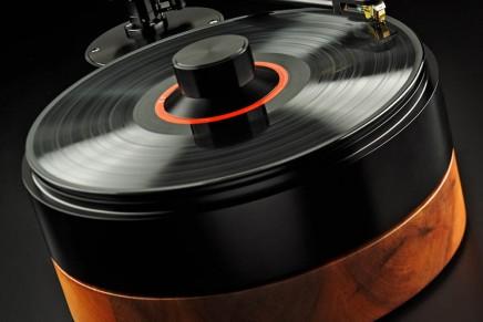 The art of vinyl playback not forgotten. AMG Viella 12 turntable