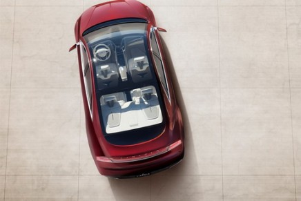 New York debut for Lincoln MKZ with panoramic glass roof
