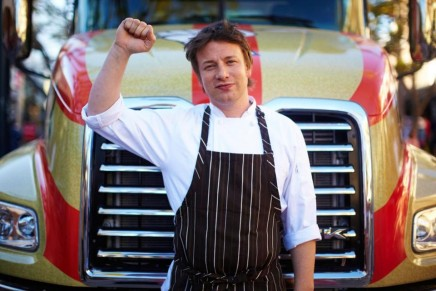 Food activist and chef Jamie Oliver receives the Healthy Cup Award