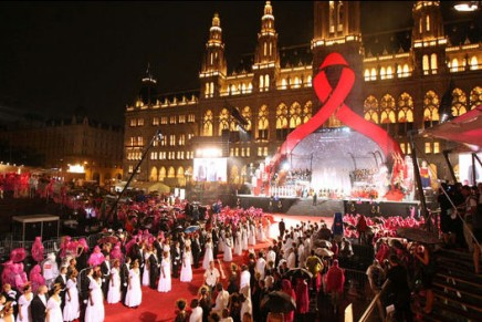 Fight the Flames of Ignorance: Vienna Life Ball hosts the 20th Anniversary Fashion Show