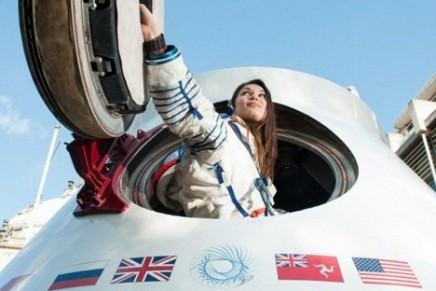 Space tourism: to the Moon and back as early as in 2015
