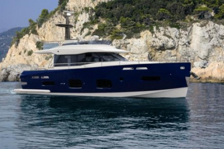 Magellano 50, Azimut's first hybrid yacht, environmentally friendly and fuel efficient