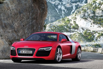 Audi debuts R8 V10 plus top model with new 7-speed S tronic for all variants