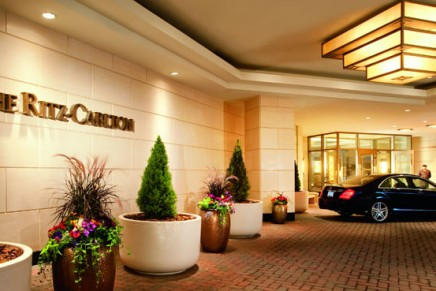 2012 North America Hotel Guest Satisfaction index study: luxury brand segment