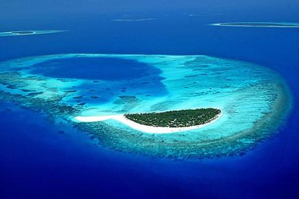 LVMH's Maldives resort to open in 2013