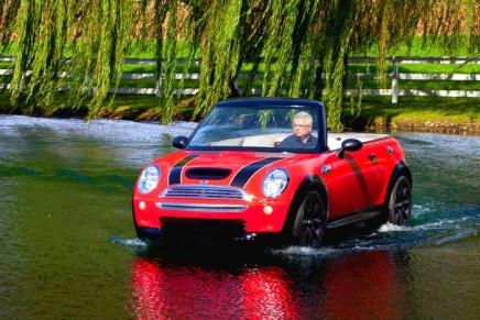 All aboard the Mini convertible boat